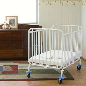 Deluxe Holiday Crib - CS882(LAB)